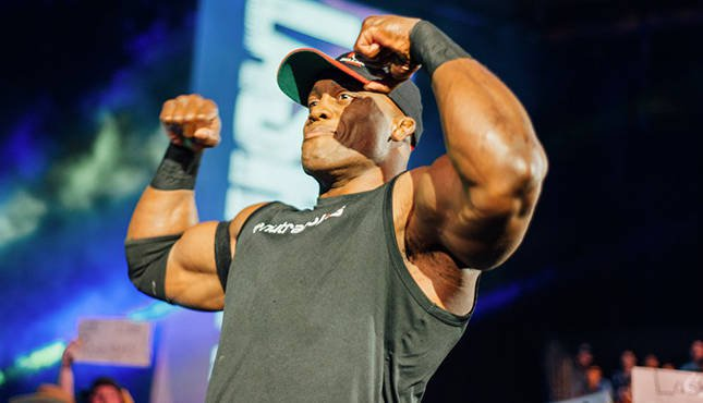 Bobby Lashley posing / flexing muscles