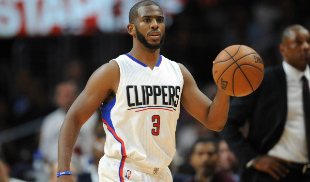 Chris Paul in a clippers uniform