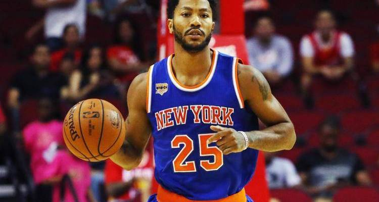 Derrick Rose in a knicks uniform
